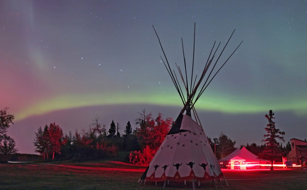 Aurora and teepee at Beaver Hills DSP Inaugural Event, courtesy Alan Dyer.